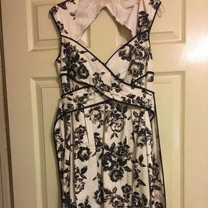Black and white floral dress gorgeous fit!!!